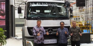 Daimler Begins Knock-Down Production of Large Trucks in Indonesia